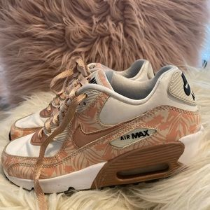 Nike air max's white bronze print